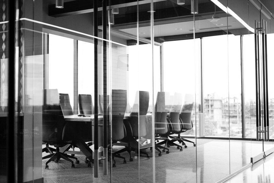 Obsługa prawna dla firm – co obejmuje?